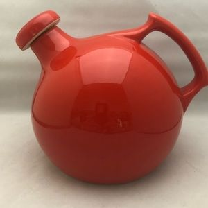 DEPARTMENT 56 Pitcher Red